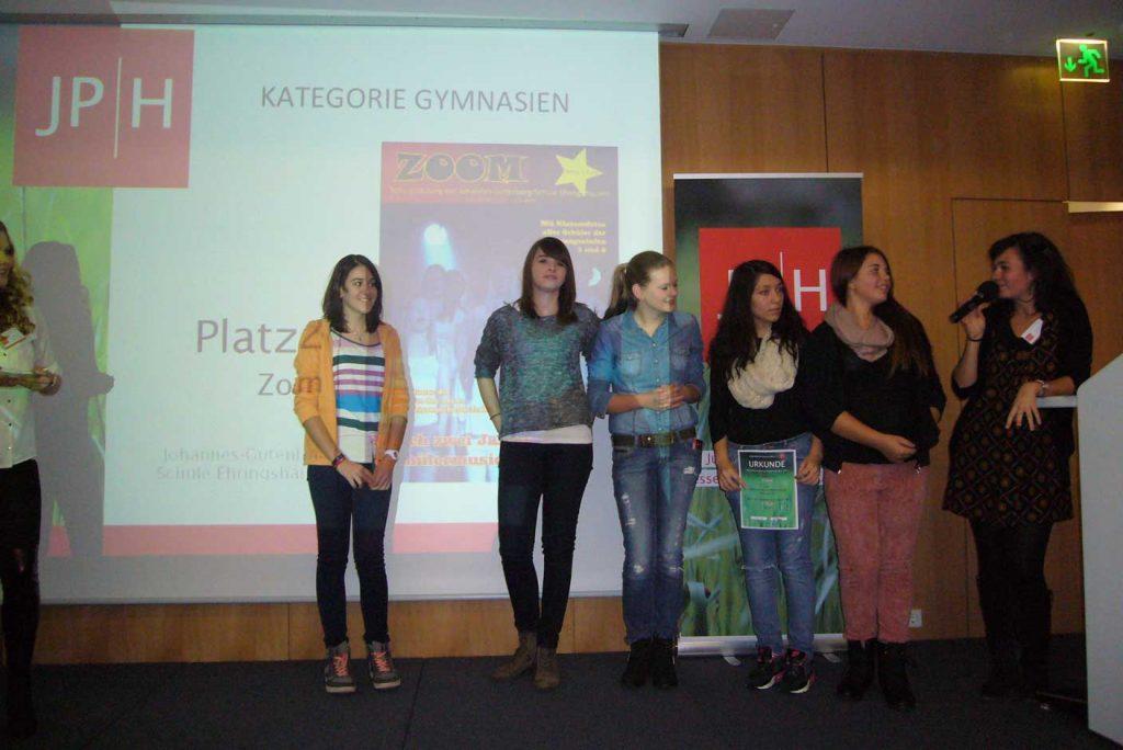 Zoom gewinnt 2. Platz beim Schülerzeitungswettbewerb