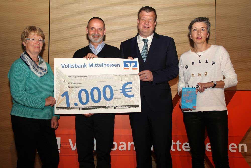 Doppelter Gewinn für den Förderverein und die Schulbücherei der Johannes-Gutenberg-Schule