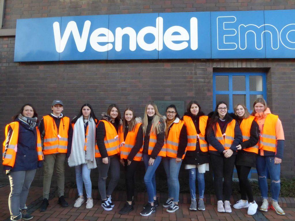 Gutenberg-Schüler zu Besuch bei der Firma Wendel in Dillenburg