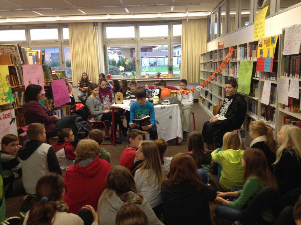 Neu an der Johannes-Gutenberg-Schule: Aktion Lesetisch