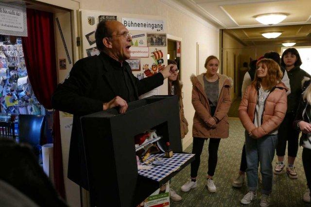 Gutenberg-Schüler vor und hinter den Kulissen im Gießener Stadttheater