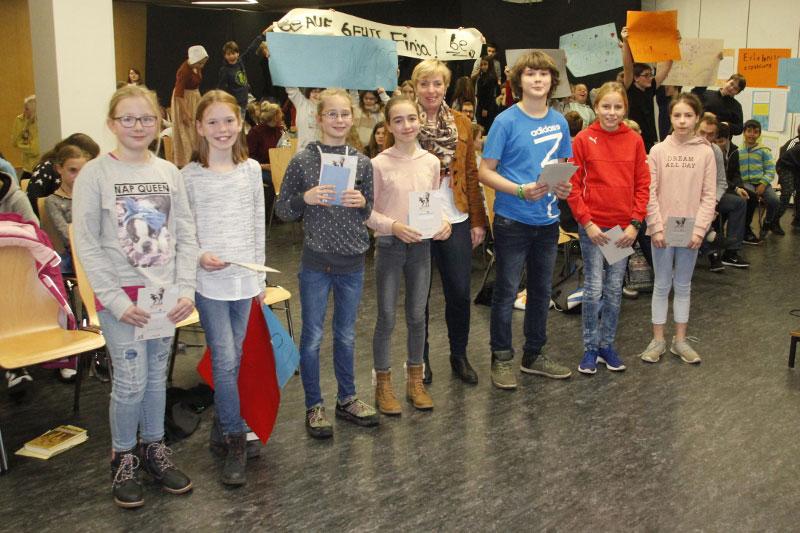 Vivien Minaew gewinnt Vorlesewettbewerb 2017 der Johannes-Gutenberg-Schule