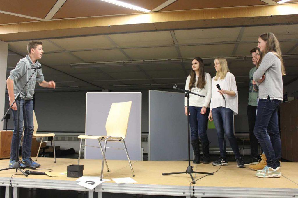 Die Klasse 9e gewinnt den Wortspucker-Wettbewerb